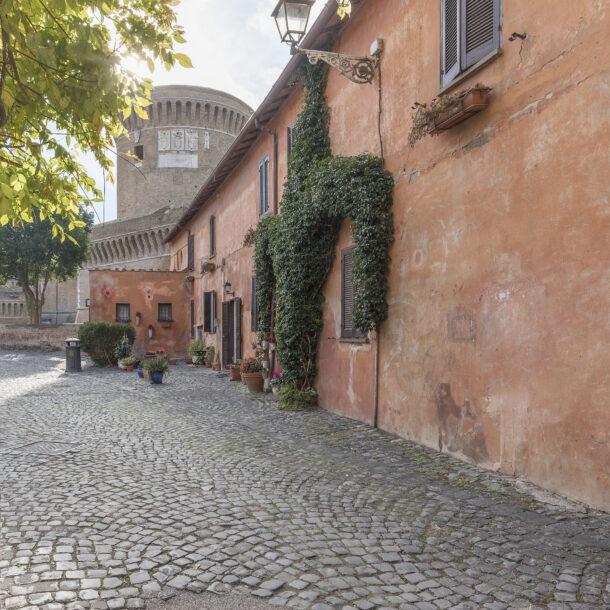 Ingresso principale del Borgo di Ostia Antica